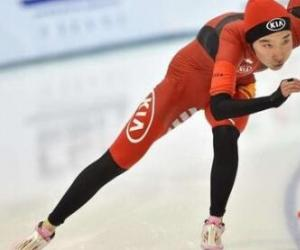 1922年阿尔贝维尔冬奥会中国运动员谁获得两枚银牌